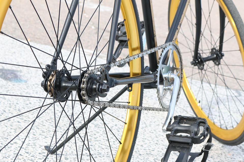 Poner y quitar las ruedas de la bicicleta | DeBici.es